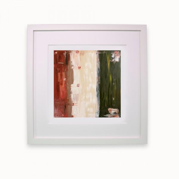 Roter Staub, eine Straße und ein Rasen | White line m